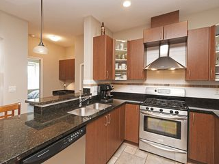 "Photo 7: 308 976 ADAIR Avenue in Coquitlam: Maillardville Condo for sale in ""ORLEANS RIDGE"" : MLS®# R2389879"