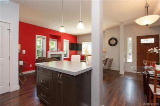Photo 5: 868 Brock Ave in VICTORIA: La Langford Proper Row/Townhouse for sale (Langford)  : MLS®# 824757