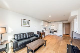 """Photo 8: 1103 188 KEEFER Street in Vancouver: Downtown VE Condo for sale in """"188 KEEFER BY WESTBANK"""" (Vancouver East)  : MLS®# R2422671"""