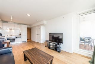 """Photo 7: 1103 188 KEEFER Street in Vancouver: Downtown VE Condo for sale in """"188 KEEFER BY WESTBANK"""" (Vancouver East)  : MLS®# R2422671"""