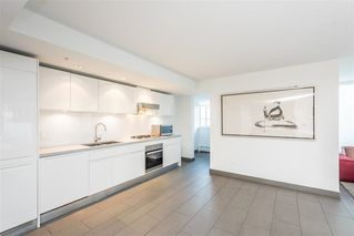 """Photo 19: 1103 188 KEEFER Street in Vancouver: Downtown VE Condo for sale in """"188 KEEFER BY WESTBANK"""" (Vancouver East)  : MLS®# R2422671"""