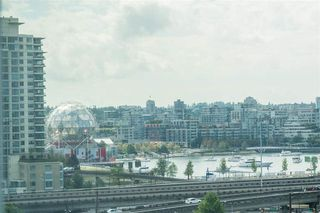 """Photo 17: 1103 188 KEEFER Street in Vancouver: Downtown VE Condo for sale in """"188 KEEFER BY WESTBANK"""" (Vancouver East)  : MLS®# R2422671"""