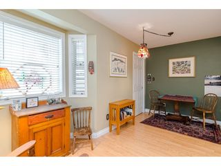 "Photo 10: 805 9139 154 Street in Surrey: Fleetwood Tynehead Townhouse for sale in ""Lexington Square"" : MLS®# R2431673"