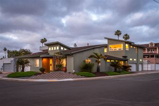Photo 1: CLAIREMONT House for sale : 4 bedrooms : 2605 Fairfield St in San Diego