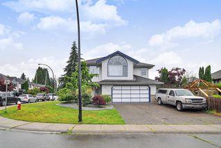 Main Photo: 20530 120B Avenue in Maple Ridge: Northwest Maple Ridge House for sale : MLS®# R2472451