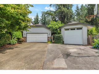 Photo 3: 9116 CRICKMER Court in Langley: Fort Langley House for sale : MLS®# R2483314