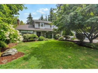 Photo 2: 9116 CRICKMER Court in Langley: Fort Langley House for sale : MLS®# R2483314