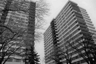 Photo 1: 1701 9903 104 Street in Edmonton: Zone 12 Condo for sale : MLS®# E4219465