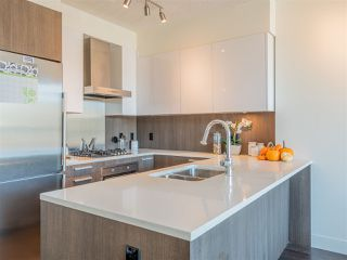 """Photo 13: 2101 3007 GLEN Drive in Coquitlam: North Coquitlam Condo for sale in """"THE EVERGREEN BY BOSA"""" : MLS®# R2517537"""