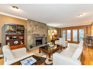 Photo 7: 13719 56A Avenue in Surrey: Panorama Ridge House for sale : MLS®# R2522442