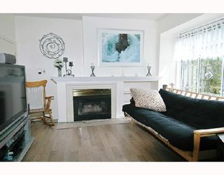"""Photo 2: 57 12099 237TH Street in Maple_Ridge: East Central Townhouse for sale in """"GABRIOLA"""" (Maple Ridge)  : MLS®# V656546"""