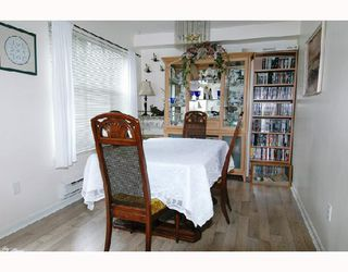 """Photo 3: 57 12099 237TH Street in Maple_Ridge: East Central Townhouse for sale in """"GABRIOLA"""" (Maple Ridge)  : MLS®# V656546"""