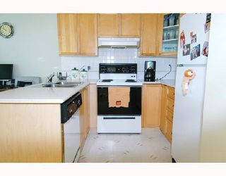 """Photo 4: 57 12099 237TH Street in Maple_Ridge: East Central Townhouse for sale in """"GABRIOLA"""" (Maple Ridge)  : MLS®# V656546"""