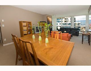 "Photo 3: 2001 120 MILROSS Avenue in Vancouver: Mount Pleasant VE Condo for sale in ""BRIGHTON"" (Vancouver East)  : MLS®# V657531"