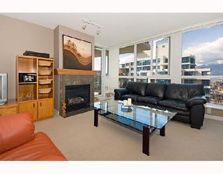 "Photo 4: 2001 120 MILROSS Avenue in Vancouver: Mount Pleasant VE Condo for sale in ""BRIGHTON"" (Vancouver East)  : MLS®# V657531"