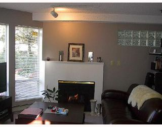 Photo 3: 104 1988 MAPLE Street in Vancouver: Kitsilano Condo for sale (Vancouver West)  : MLS®# V674049