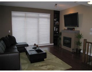 Photo 3: 24 728 W 14TH Street in North_Vancouver: Hamilton Townhouse for sale (North Vancouver)  : MLS®# V704102