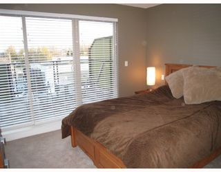 Photo 8: 24 728 W 14TH Street in North_Vancouver: Hamilton Townhouse for sale (North Vancouver)  : MLS®# V704102