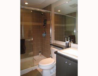 Photo 10: 24 728 W 14TH Street in North_Vancouver: Hamilton Townhouse for sale (North Vancouver)  : MLS®# V704102