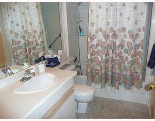 "Photo 8: 208 4988 47A Avenue in Ladner: Ladner Elementary Condo for sale in ""FENTON'S COURT"" : MLS®# V706038"