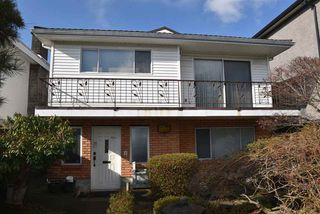 Photo 2: 6779 LANCASTER Street in Vancouver: Killarney VE House for sale (Vancouver East)  : MLS®# R2437427