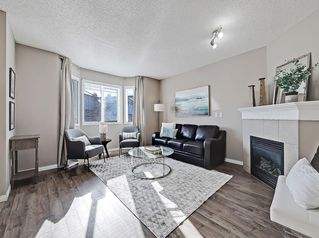 Photo 3: 16 ROYAL BIRCH Villa NW in Calgary: Royal Oak Row/Townhouse for sale : MLS®# C4302365