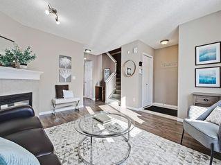 Photo 2: 16 ROYAL BIRCH Villa NW in Calgary: Royal Oak Row/Townhouse for sale : MLS®# C4302365
