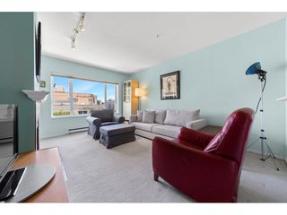 Photo 3: 403 221 ELEVENTH STREET in New Westminster: Uptown NW Condo for sale : MLS®# R2459580