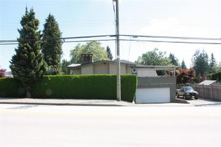 Photo 5: 3737 PIPER Avenue in Burnaby: Government Road House for sale (Burnaby North)  : MLS®# R2475239