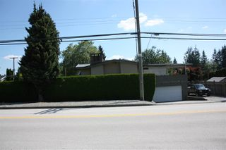Photo 4: 3737 PIPER Avenue in Burnaby: Government Road House for sale (Burnaby North)  : MLS®# R2475239