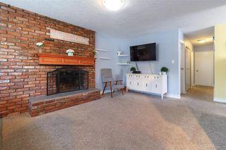 Photo 3: 697 Strandlund Ave in : La Mill Hill Half Duplex for sale (Langford)  : MLS®# 845632