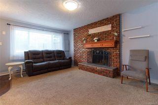 Photo 2: 697 Strandlund Ave in : La Mill Hill Half Duplex for sale (Langford)  : MLS®# 845632