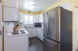 Photo 8: 697 Strandlund Ave in : La Mill Hill Half Duplex for sale (Langford)  : MLS®# 845632