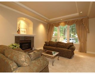 Photo 4: 4939 Capilano Road in North Vancouver: Canyon Heights NV House for sale : MLS®# V775746