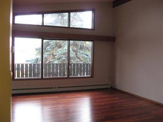 Photo 5: 7516/7518 105 Avenue NW in Edmonton: Zone 19 House Duplex for sale : MLS®# E4177544
