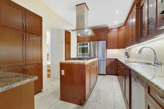 Photo 1: 143 Wolf Willow Crescent in Edmonton: Zone 22 Townhouse for sale : MLS®# E4184793