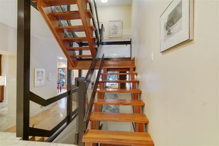 Photo 3: 143 Wolf Willow Crescent in Edmonton: Zone 22 Townhouse for sale : MLS®# E4184793
