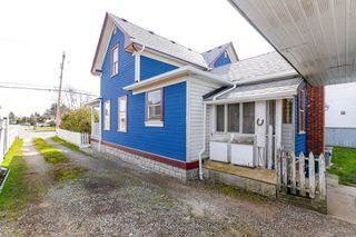 """Photo 3: 4631 46A Street in Delta: Port Guichon House for sale in """"Port Guichon"""" (Ladner)  : MLS®# R2445677"""