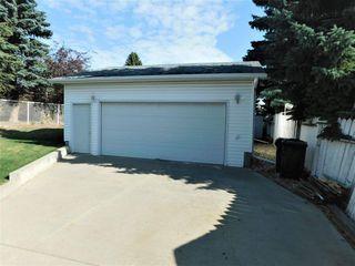 Photo 2: 133 Greengrove Avenue: Sherwood Park House for sale : MLS®# E4216840