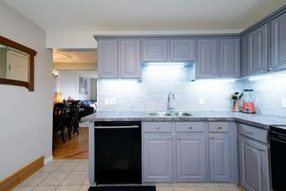 Photo 12: 39 Cedardale Road SW in Calgary: Cedarbrae Semi Detached for sale : MLS®# A1057502