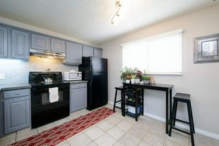 Photo 9: 39 Cedardale Road SW in Calgary: Cedarbrae Semi Detached for sale : MLS®# A1057502