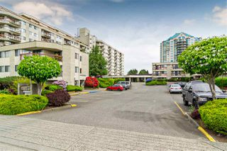 """Photo 2: 116 31955 OLD YALE Road in Abbotsford: Central Abbotsford Condo for sale in """"EVERGREEN VILLAGE"""" : MLS®# R2527472"""