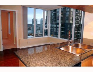 """Photo 1: 1707 1010 RICHARDS Street in Vancouver: Downtown VW Condo for sale in """"THE GALLERY"""" (Vancouver West)  : MLS®# V796391"""