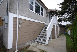Photo 17: 521 Burnside Rd E in Victoria: Residential for sale : MLS®# 269570