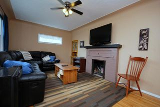 Photo 7: 521 Burnside Rd E in Victoria: Residential for sale : MLS®# 269570