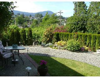"Photo 3: 8 699 DOUGALL Road in Gibsons: Gibsons & Area Townhouse for sale in ""MARINA PLACE"" (Sunshine Coast)  : MLS®# V652142"