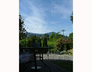 "Photo 10: 8 699 DOUGALL Road in Gibsons: Gibsons & Area Townhouse for sale in ""MARINA PLACE"" (Sunshine Coast)  : MLS®# V652142"