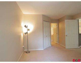 "Photo 5: 302 22025 48TH Avenue in Langley: Murrayville Condo for sale in ""AUTUMN RIDGE"" : MLS®# F2723539"