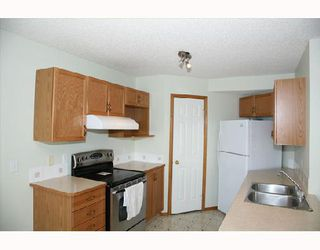 Photo 2:  in CALGARY: Monterey Park Residential Detached Single Family for sale (Calgary)  : MLS®# C3288898