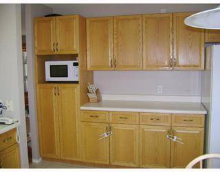 Photo 3: 180 EAGLEMERE Drive in WINNIPEG: East Kildonan Residential for sale (North East Winnipeg)  : MLS®# 2719648
